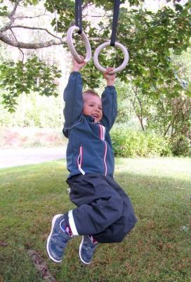 Lasten puiset voimistelurenkaat